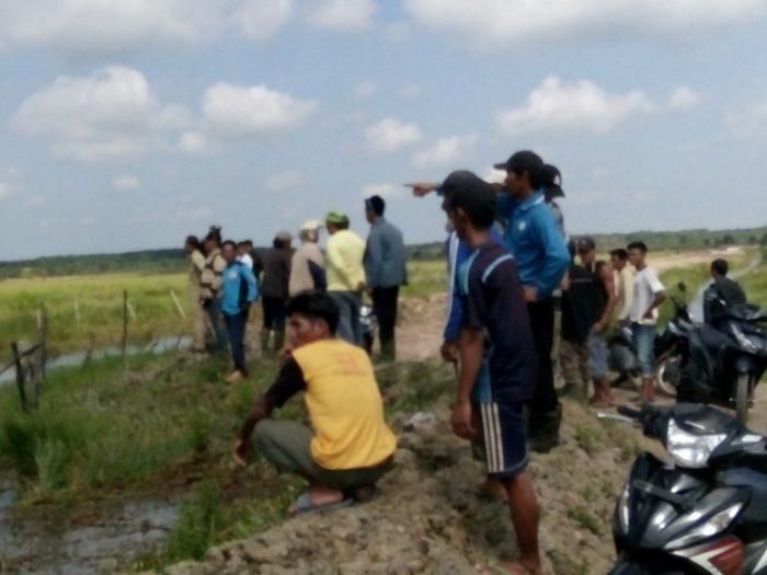 Air Sungai Tidak Mengalir Akibat ditimbun Perusahaan Sawit, Warga Sembawa Protes
