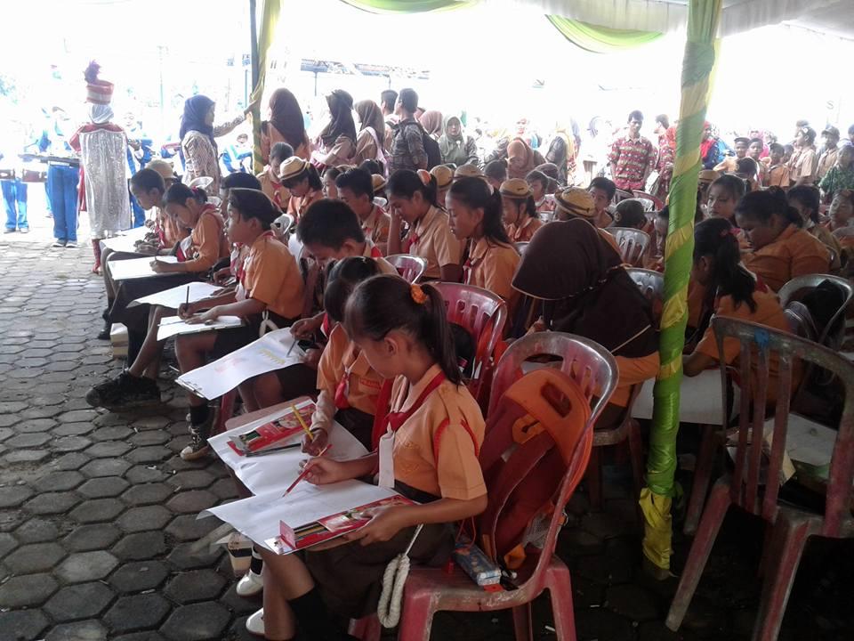 Lomba Melukis Pada Musi Triboatton 2016 di Kecamatan Rantau Bayur