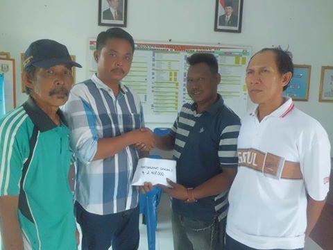 Warga Desa Sungsang 3 Berikan Bantuan Kepada Kevin