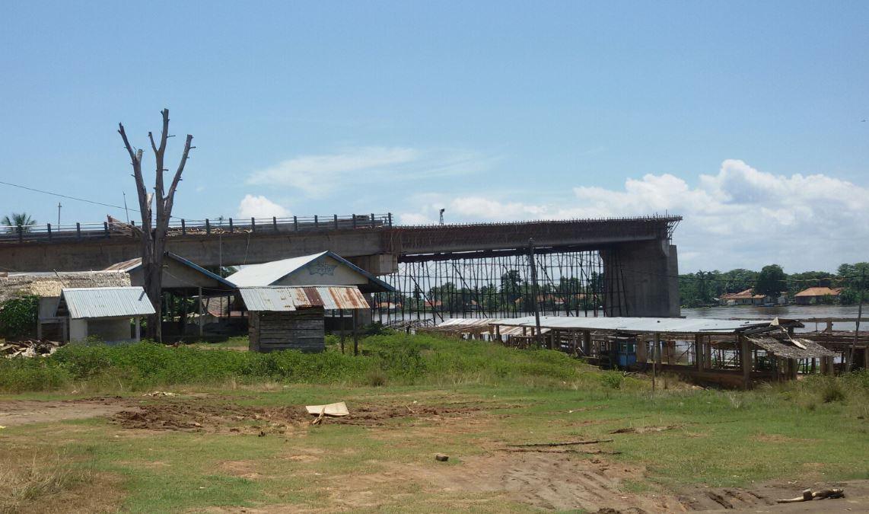 Pembangunan jembatan sungai musi pengumbuk rantau bayur