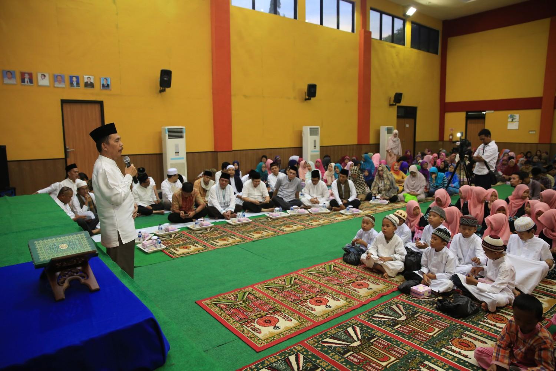 Ishak Mekki Buka Bersama Dengan PT. BA dan Masyarakat