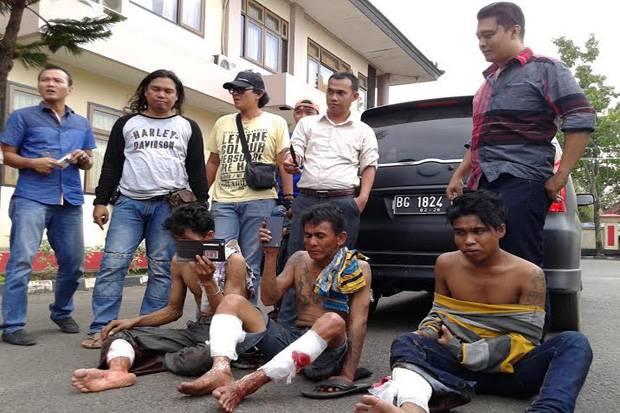 Mahasiswa Unsri Kena Tododng di Angkot